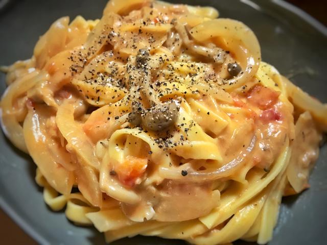 ツナとキノコのトマトクリームパスタ